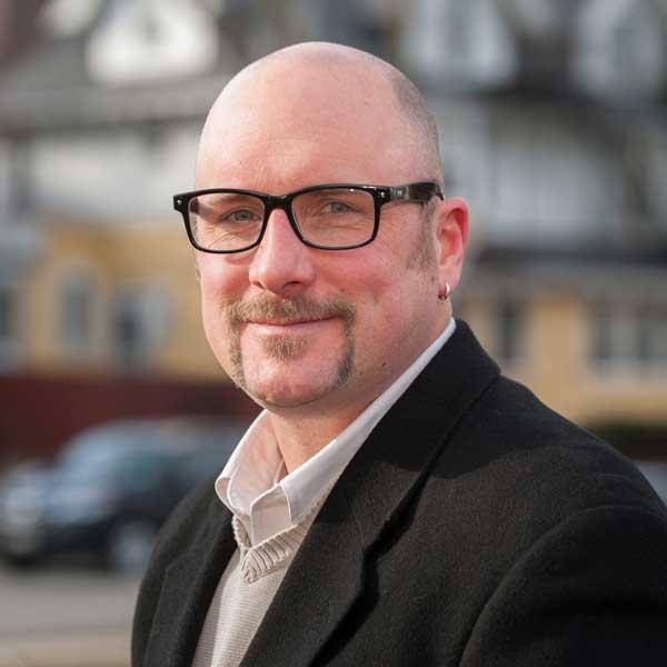 Real Estate Agent Ben Anton