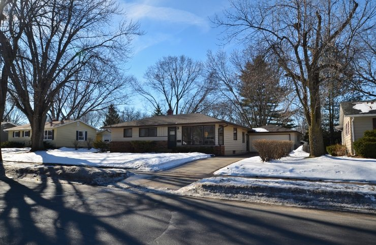 142 Acewood Blvd, Rolling Meadows, Madison