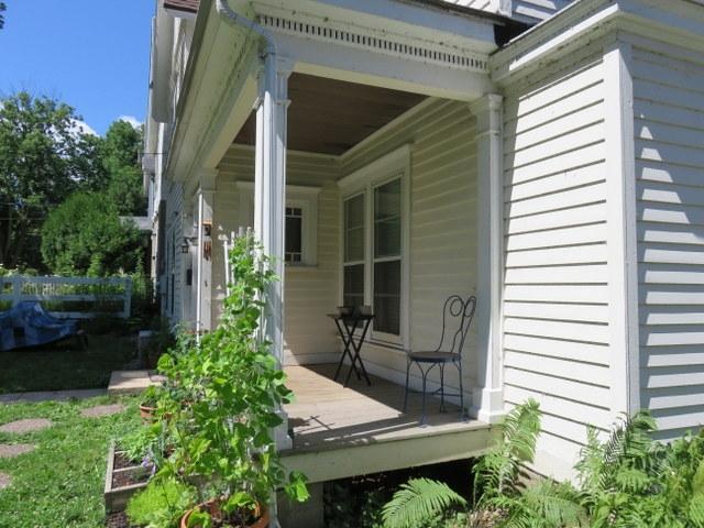 1014-e-gorham-front-porch