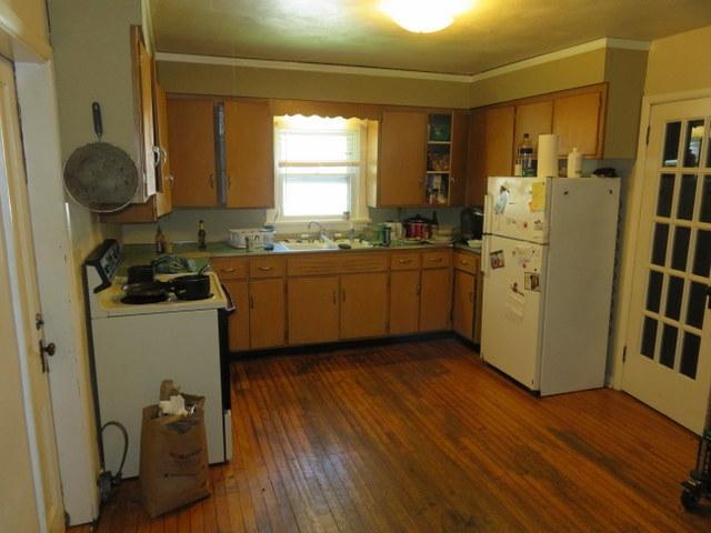 1014-e-gorham-kitchen-2