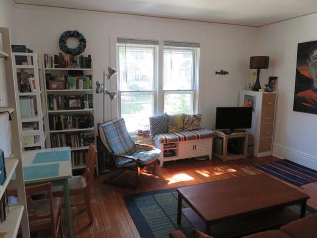 1014-e-gorham-living-room