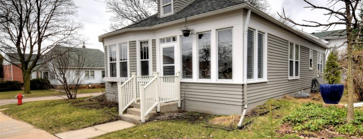 421 N Franklin – Picture Perfect Bungalow