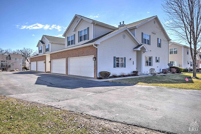 3843 Maple Grove 5