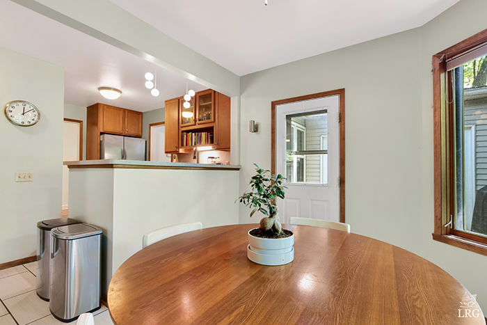 1645 Mayfield 11