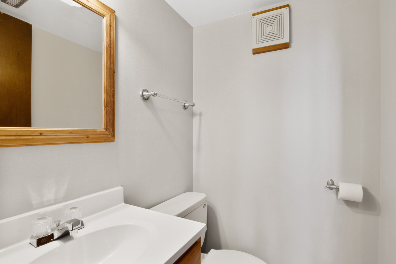 1326 Woodvale Dr-38-mls