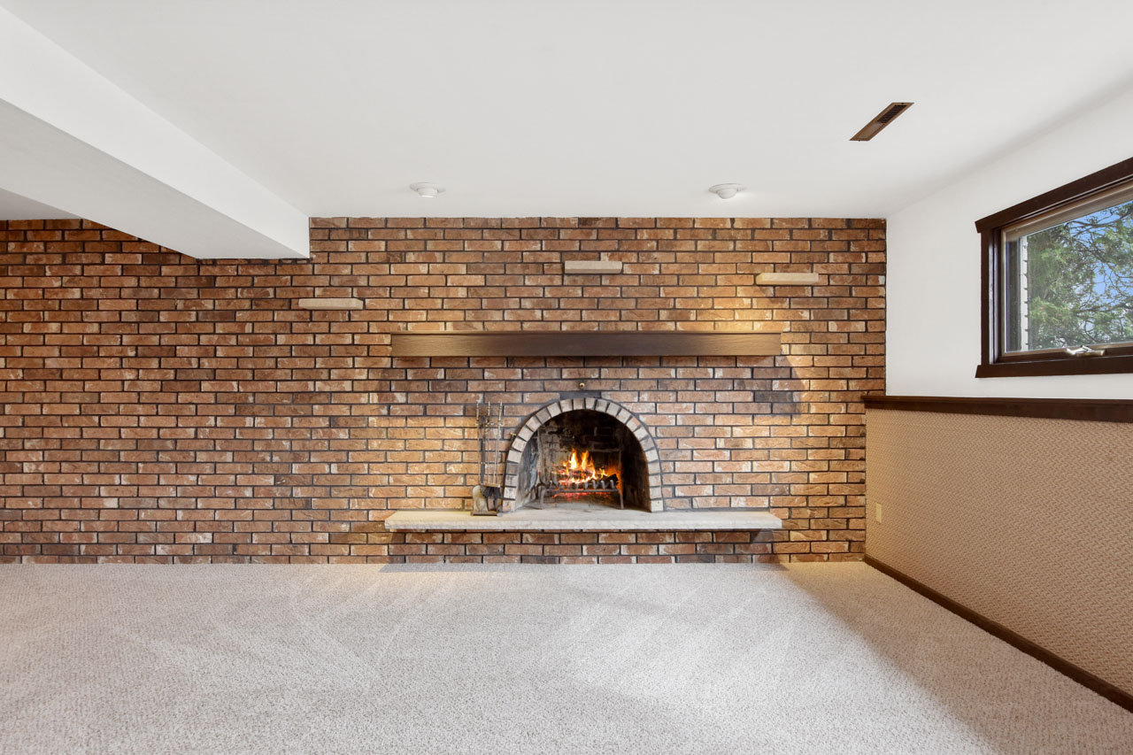 1326 Woodvale Dr-41-mls