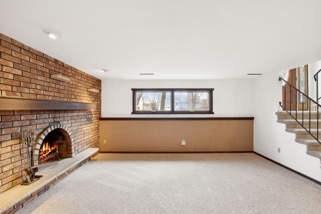 1326 Woodvale Dr-42-mls