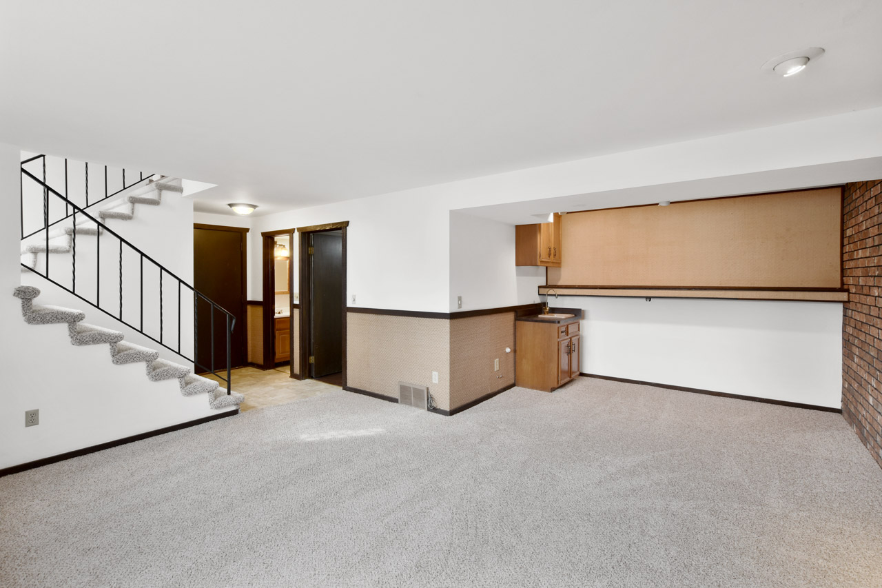 1326 Woodvale Dr-43-mls