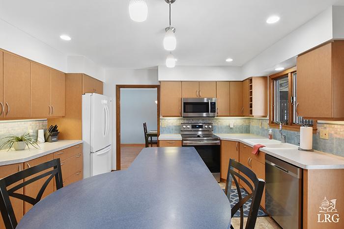 826 S Midvale Blvd-25