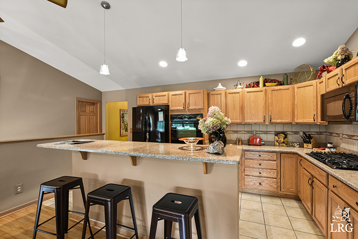 357 Ember Ct-24
