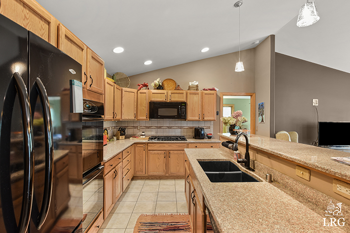 357 Ember Ct-26