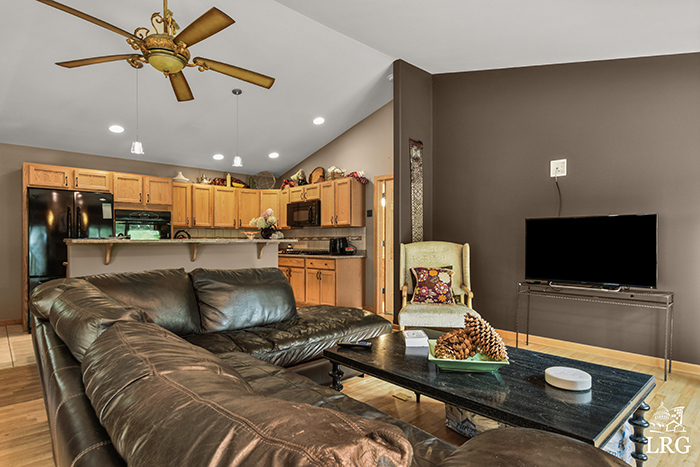 357 Ember Ct-32