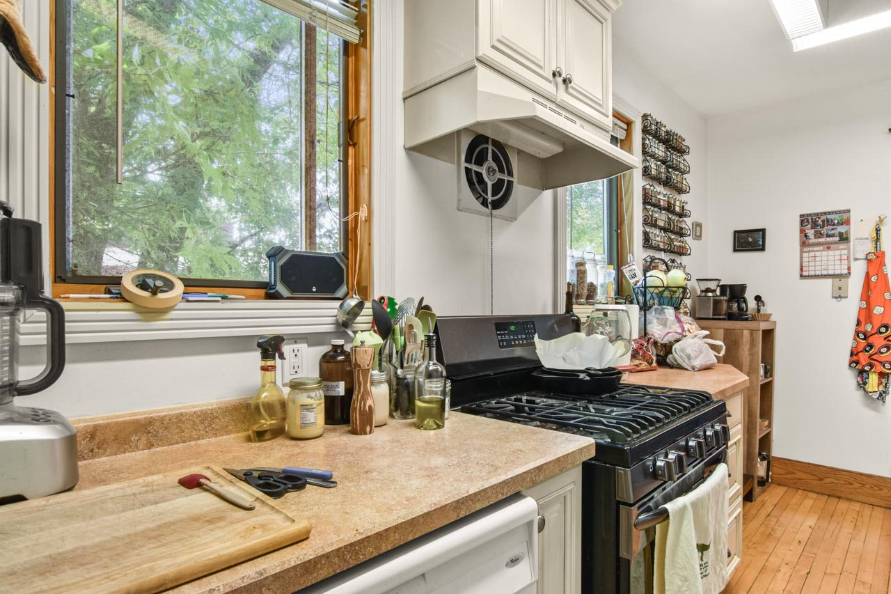 2301 Atwood Ave-24-mls